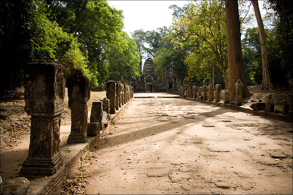 The western concourse at Preah Khan.