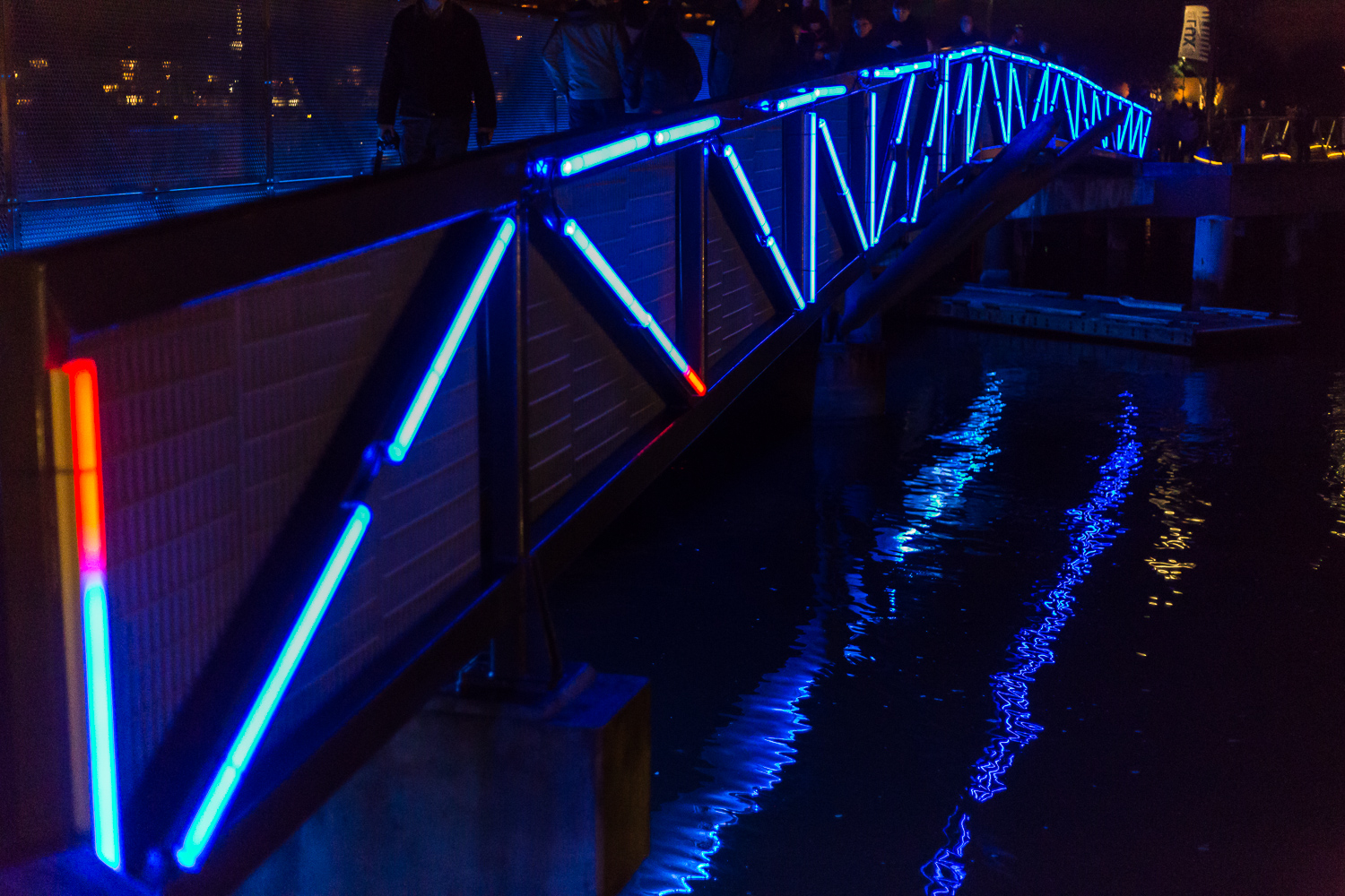 The neon bridge (TENSION)