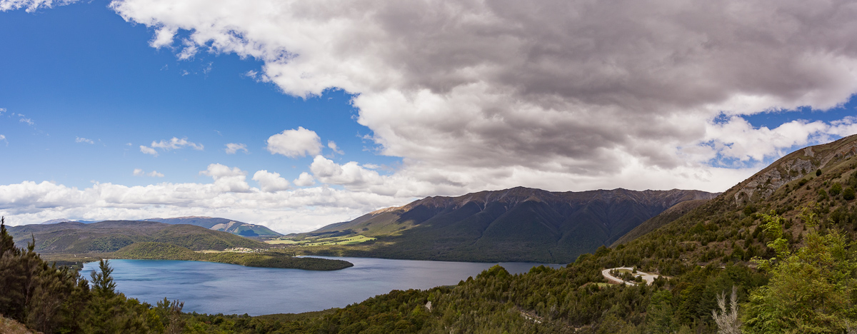 Lake Rotoiti from the Mount Robert carpark