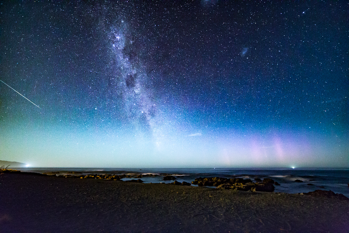Meteor, milky way and aurora australis