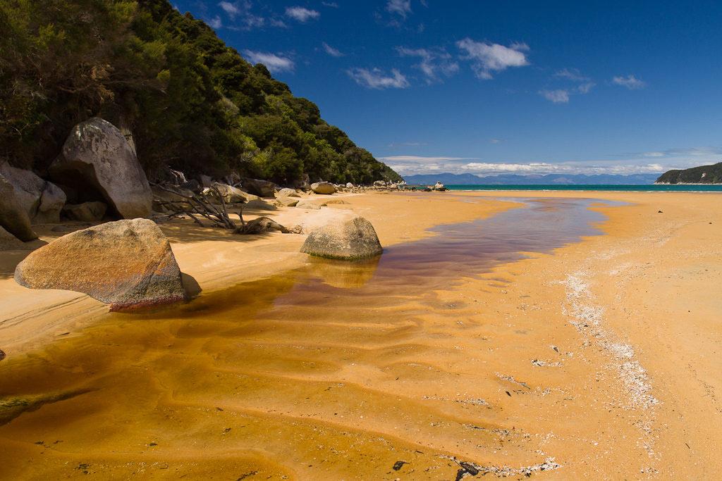 Onetahuti Bay