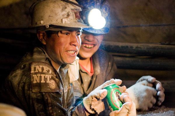 Miners receiving root beer