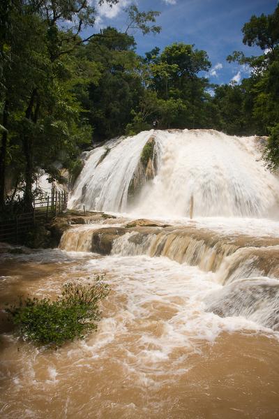Aqua Azul falls