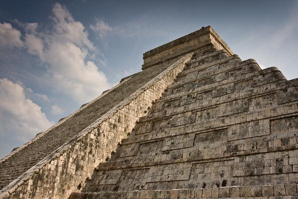 Dramatic viewing at Chichén Itzá.