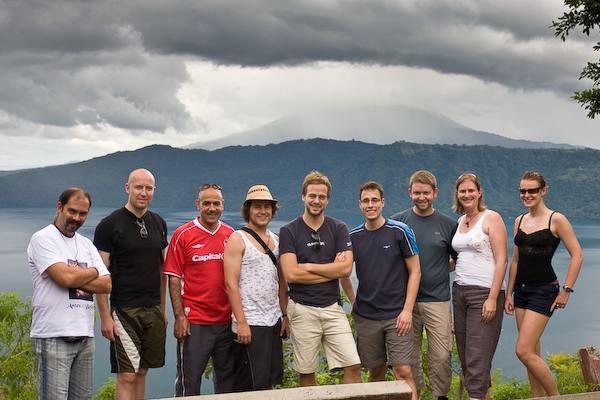 A group photo at the second lookout. From the left: Josh, Andreas, Richard, Aaron, Peter, Stefan, Brendon, Keryn and Cecylia.